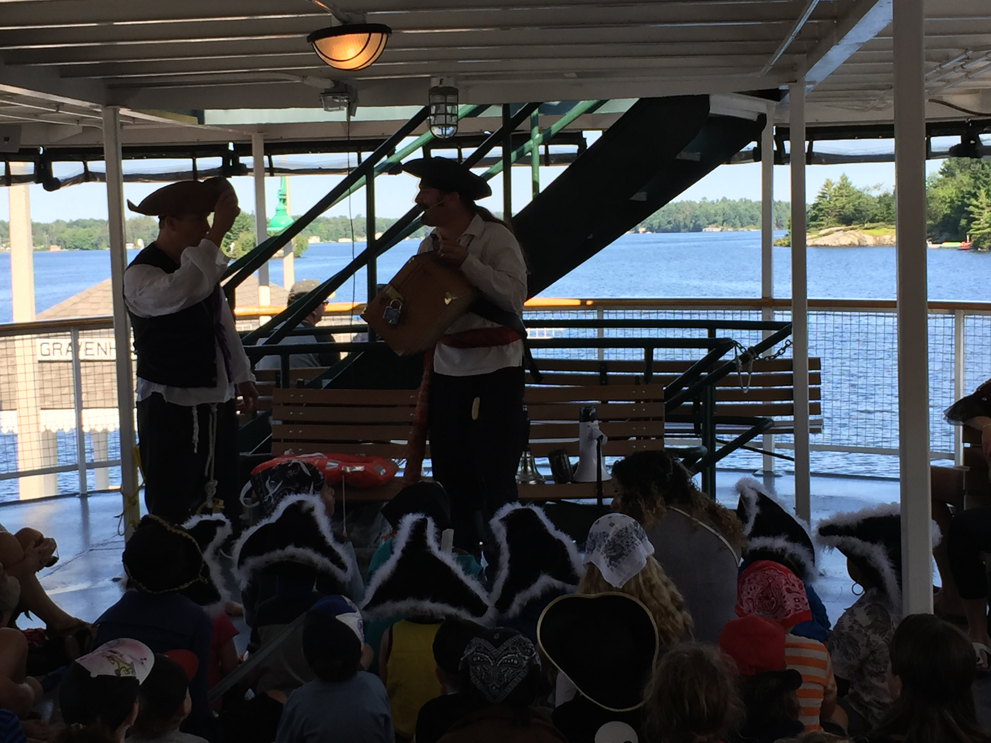 Pirate magician, magic show, pirate cruise, gravenhurst Ontario, Ontario pirate,